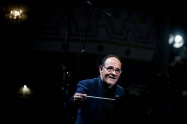 به رهبری نصیر حیدریان نخستین تمرین ارکستر سمفونیک در چین انجام شد