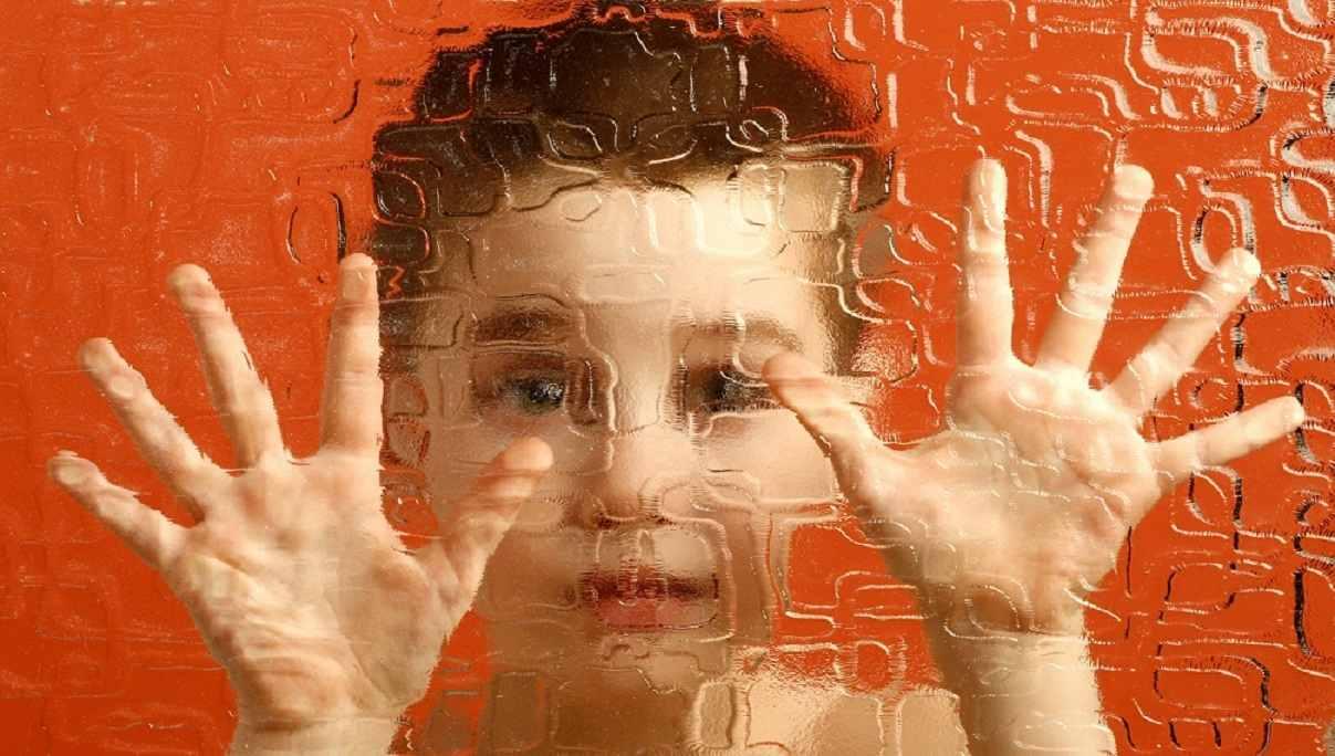 تاثیر شگفت انگیز موسیقی بر کودکان اوتیسم