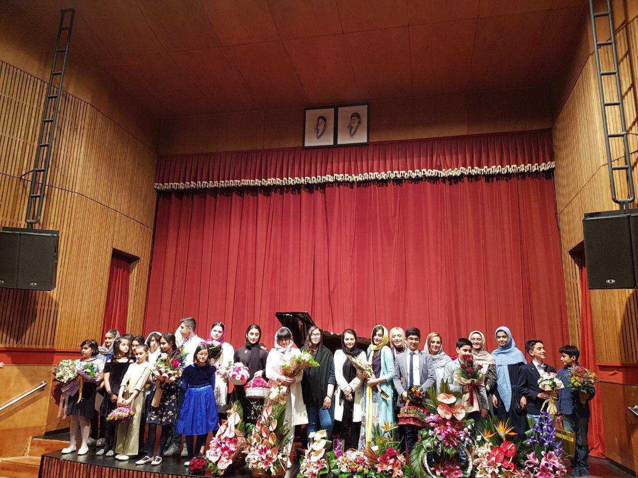 شهرزاد رحیمیان کنسرت هنرجویان خود را در فرهنگسرای نیاوران برگزار کرد