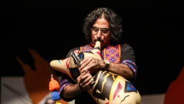 «محسن شریفیان» با نوازندگانِ نیانبانِ اسکاتلندی به اجرای برنامه میپردازد